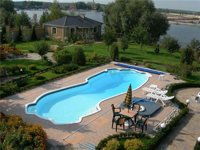 Бассейн рядом с домом - возможность плавать тогда, когда вам удобно и хочется