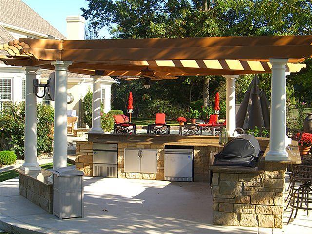 Летняя кухня - прекрасная возможность готовить и принимать пищу летом на свежем воздухе