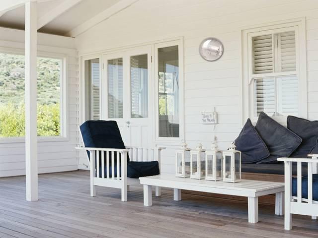 Мебель для веранды стоит выбирать также ответственно, как мебель для гостиной или для кухни.