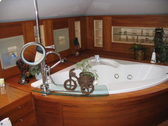 Дизайн ванной в деревянном доме 7