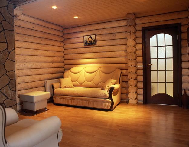 Интерьер дома из оцилиндрованного бревна - смотрим варианты 2