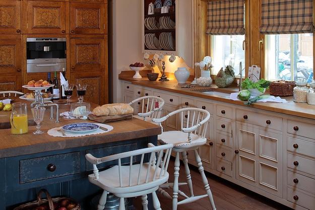 Кантри-кухня в частном доме и в городской квартире 5