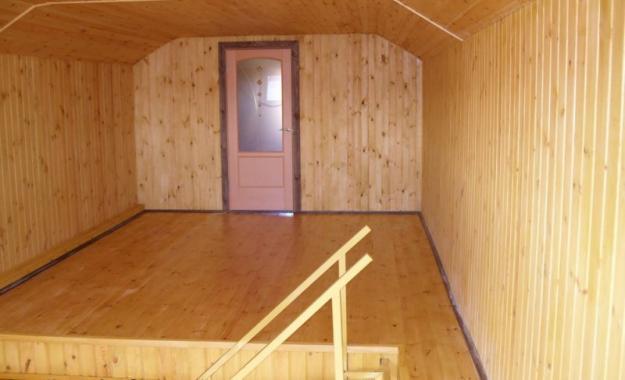 Обшивка стен вагонкой изнутри в загородном доме 5