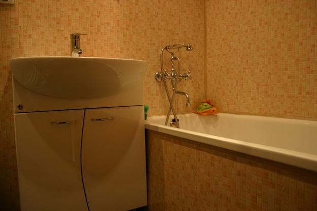 Пошаговый монтаж ПВХ панелей в ванной 6