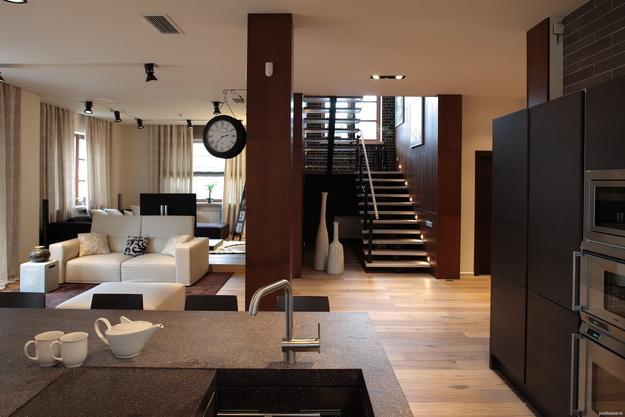 Стеновые панели из дерева в интерьере частного дома - варианты и дизайн 3