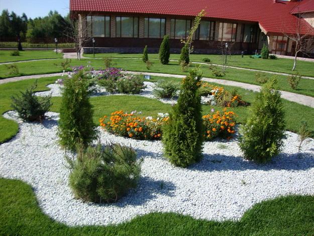 Интересный дизайн садового участка своими руками – фотогалерея и видео 10