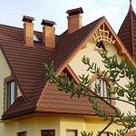 Чем лучше и дешевле покрыть крышу частного дома 1