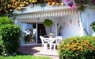 Как оформить двор частного дома — бюджетный вариант