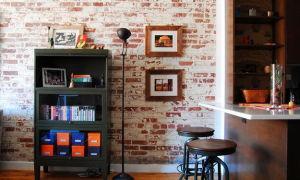 Клеим обои под кирпичную кладку — какие варианты и пошаговая инструкция