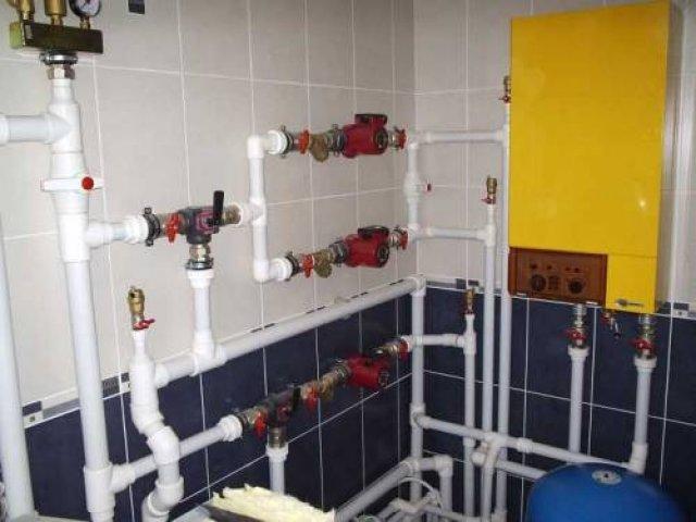 Чтобы не разбираться в хитросплетениях труб и схем водопровода - стоит пригласить профессионала