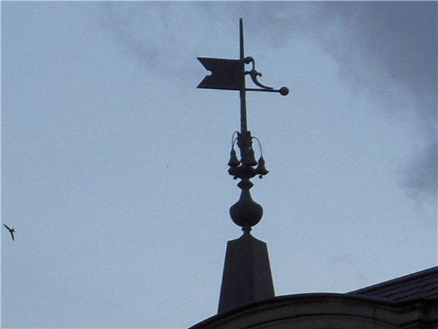 Флюгер на крыше 3