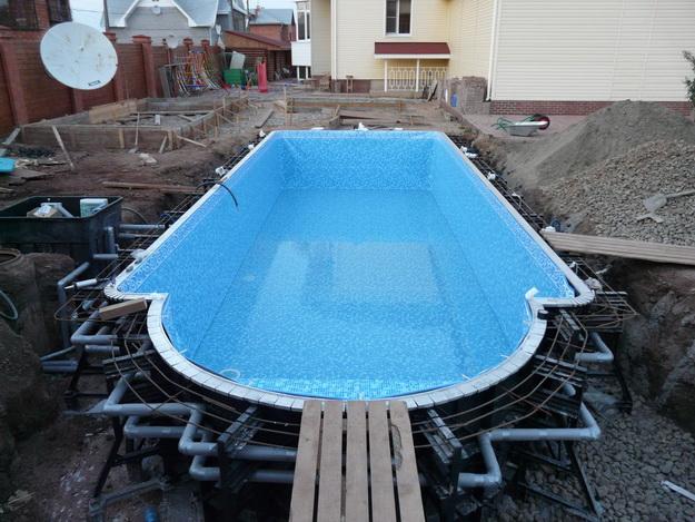 """Так строят бассейн - фото """"начинки"""" современного бассейна у дома."""