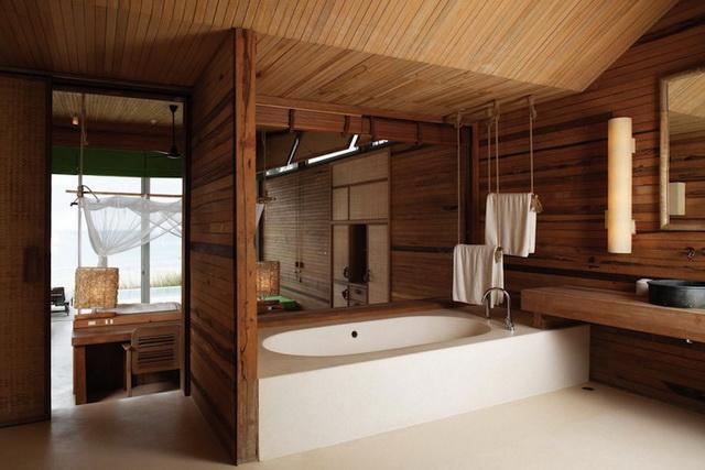 Дизайн ванной в деревянном доме 5