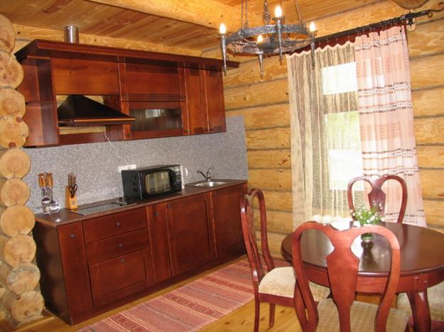 Обустраиваем кухню в деревянном доме - дизайн и интерьер 1