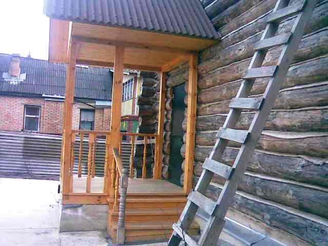Крыльцо деревянного дома - фотогалерея вариантов