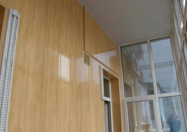 Вагонка ПВХ для внутренних работ в дизайне современной квартиры 2