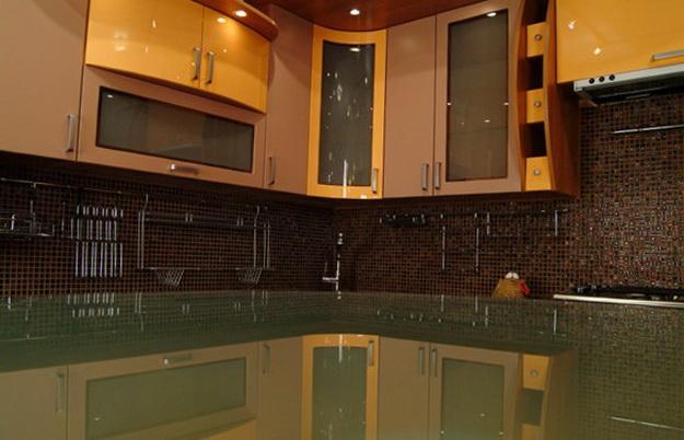 Стеновая панель для кухни - пластик в классическом кухонном интерьере 2