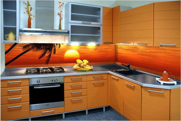 Стеновая панель для кухни - пластик в классическом кухонном интерьере 5