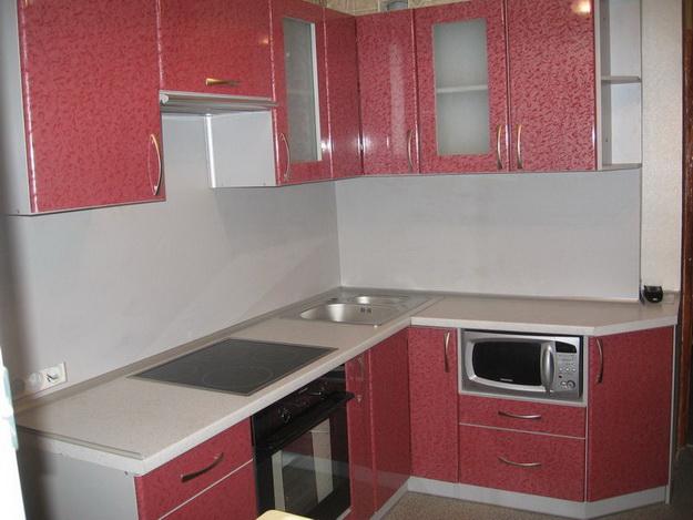 Стеновая панель для кухни - пластик в классическом кухонном интерьере 6