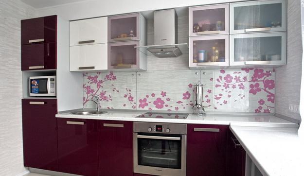 Дизайн стеклянных стеновых панелей для кухни 4